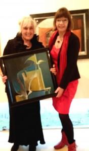 Elly den Hollander ontvangt haar gewonnen schilderij in de CUNSTloterij,van Gonny Geurts, op de dag dat ze 47 jaar getrouwd is!