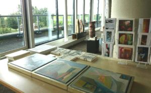 tour-of-art-tafel-en-raam